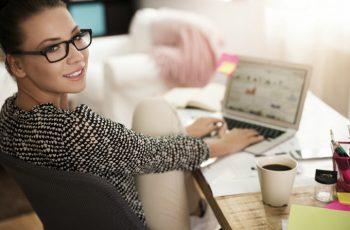 10 ideias de negócio baratas para trabalhar em casa